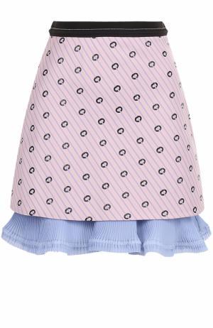 Мини-юбка с принтом и плиссированной оборкой Carven. Цвет: розовый