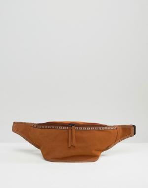 ASOS Сумка-кошелек на пояс из искусственной замши. Цвет: коричневый