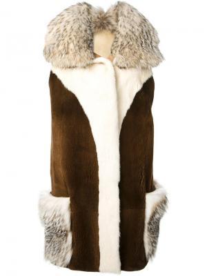 Пальто Yvette Liska. Цвет: коричневый