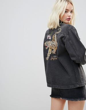 Chorus Джинсовая оверсайз-куртка с вышивкой. Цвет: черный