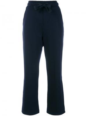 Укороченные спортивные брюки Moncler. Цвет: синий