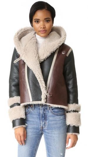 Куртка Hilda из короткой шерсти VEDA. Цвет: мульти