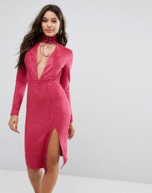 Ginger Fizz Облегающее платье миди с глубоким вырезом и чокером завязкой. Цвет: розовый