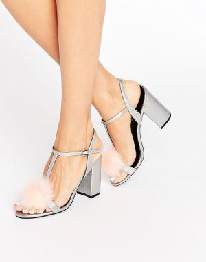 Office Серебристые сандалии на блочном каблуке цвета металлик Sugar. Цвет: серебряный