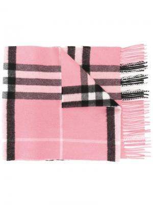 Клетчатый шарф Burberry. Цвет: розовый и фиолетовый