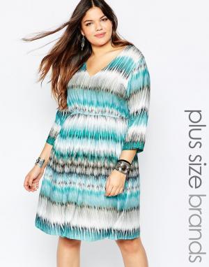 Diya Короткое приталенное платье в разноцветную полоску Plus. Цвет: мульти