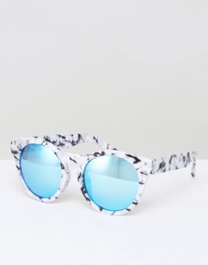Quay Australia Солнцезащитные очки кошачий глаз в мраморной оправе. Цвет: белый