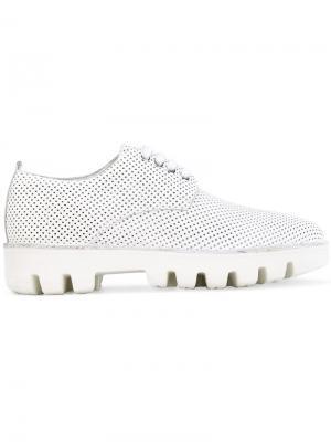 Перфорированные ботинки на рифленой подошве Rocco P.. Цвет: белый