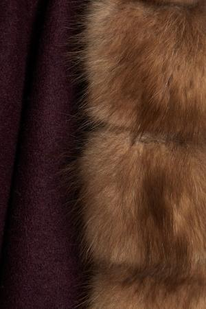 Кашемировый жилет с мехом куницы DREAMFUR. Цвет: фиолетовый