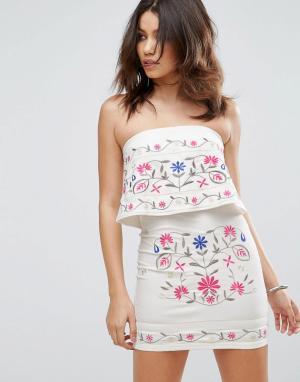 Parisian Платье-бандо с вышивкой. Цвет: белый