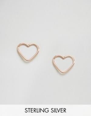 Kingsley Ryan Серьги-гвоздики в виде сердечек с вырезами. Цвет: золотой