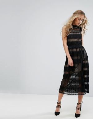 Foxiedox Бархатное платье с кружевными вставками. Цвет: черный