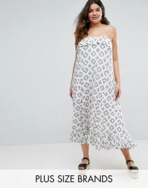 Diya Платье макси с оборкой на топе Plus. Цвет: белый