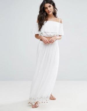 Anmol Пляжная юбка макси с декоративной отделкой и топ-бандо в тон. Цвет: белый
