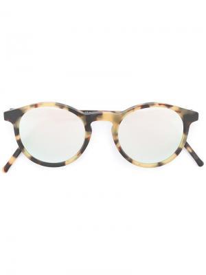 Солнцезащитные очки в круглой оправе Kyme. Цвет: телесный