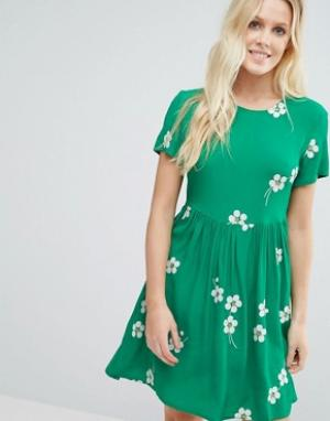 Little White Lies Приталенное платье Daisy Age. Цвет: зеленый