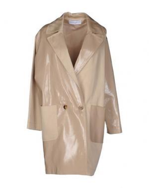 Легкое пальто WANDA NYLON. Цвет: бежевый