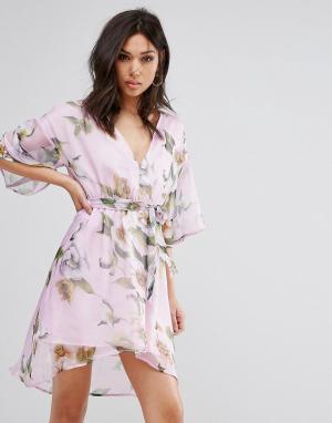 PrettyLittleThing Платье с цветочным принтом и поясом. Цвет: фиолетовый