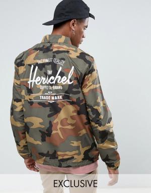 Herschel Supply Co Камуфляжная складывающаяся спортивная куртка с принтом логотипа на спи. Цвет: зеленый