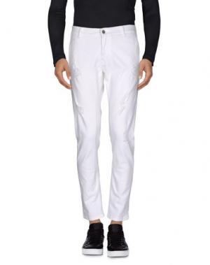 Джинсовые брюки GREY DANIELE ALESSANDRINI. Цвет: белый