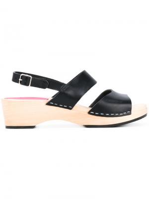 Бсооножки на массивных каблуках Swedish Hasbeens. Цвет: чёрный
