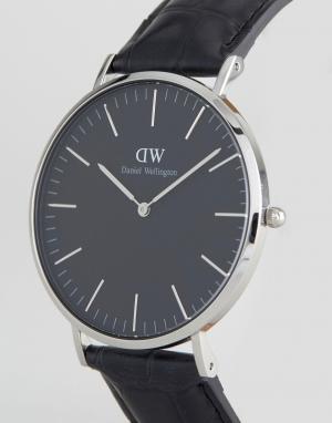 Daniel Wellington Серебристые часы на кожаном ремешке Classic. Цвет: черный