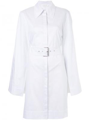 Платье-рубашка узкого кроя с ремнем Solace London. Цвет: белый