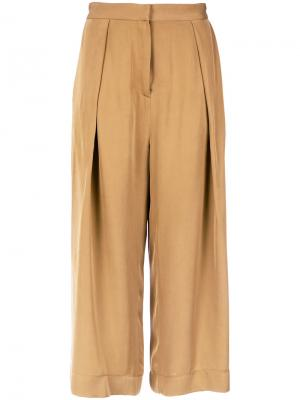 Pleated cropped trousers Andrea Marques. Цвет: коричневый