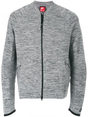 Спортивная куртка на молнии Nike. Цвет: серый