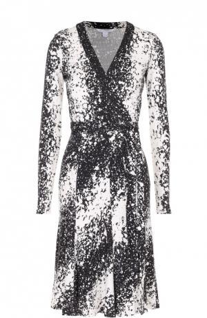Шелковое платье с запахом и поясом Diane Von Furstenberg. Цвет: черно-белый