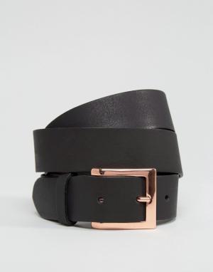 ASOS Кожаный ремень с розово-золотистой пряжкой. Цвет: черный
