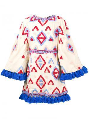 Расклешенное платье с кисточками по краям All Things Mochi. Цвет: телесный