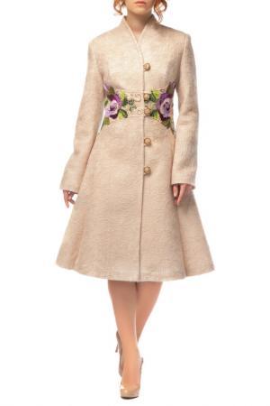 Полуприлегающее пальто с поясом Yukostyle. Цвет: бежевый