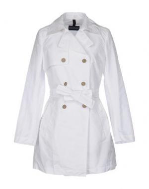 Легкое пальто AQUARAMA. Цвет: белый