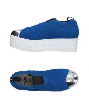 Низкие кеды и кроссовки FESSURA. Цвет: синий