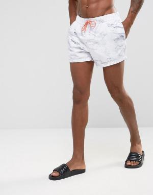 ASOS Короткие шорты для плавания с мраморным принтом и оранжевым шнурком AS. Цвет: белый