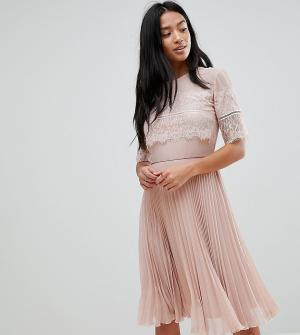 Elise Ryan Petite Платье миди с плиссированной юбкой. Цвет: бежевый
