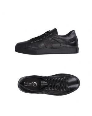 Низкие кеды и кроссовки BRUNO VERRI. Цвет: черный