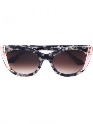 Солнцезащитные очки в оправе кошачий глаз Thierry Lasry. Цвет: розовый и фиолетовый
