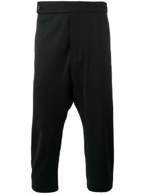 Укороченные брюки с заниженной проймой Odeur. Цвет: чёрный