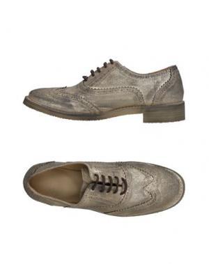 Обувь на шнурках MR. WOLF. Цвет: золотистый