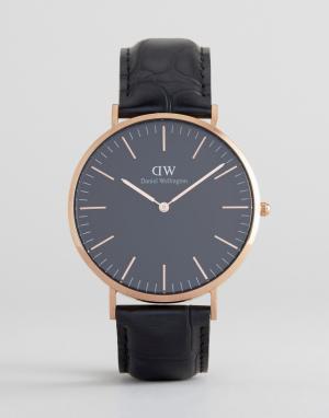 Daniel Wellington Золотисто-розовые классические часы на кожаном ремешке Wellingt. Цвет: черный