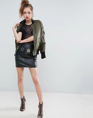 ASOS Кожаная мини-юбка с нашивками. Цвет: черный