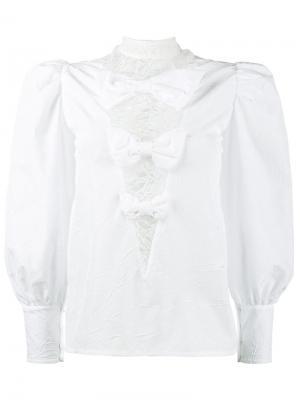 Блузка с эффектом помятости и кружевными вставками Alessandra Rich. Цвет: белый