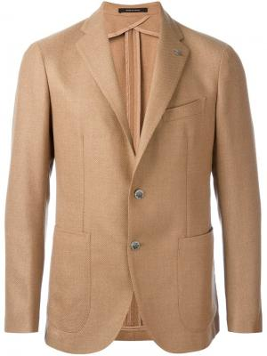 Пиджак на две пуговицы Tagliatore. Цвет: телесный