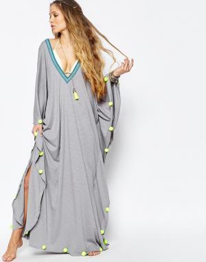 Pitusa Пляжное платье с помпонами. Цвет: серый