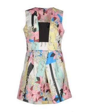 Короткое платье LUNATIC. Цвет: светло-зеленый