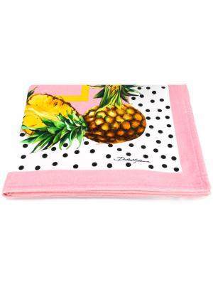 Пляжное полотенце с ананасами Dolce & Gabbana. Цвет: розовый и фиолетовый