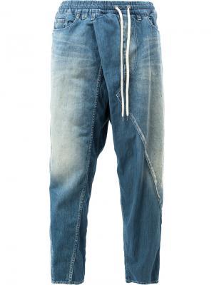 Зауженные джинсы с заниженным шаговым швом Maison Mihara Yasuhiro. Цвет: синий