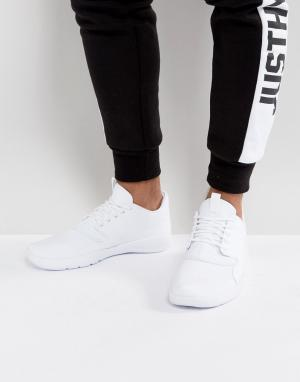 Jordan Белые кроссовки Nike Eclipse 724010-100. Цвет: белый